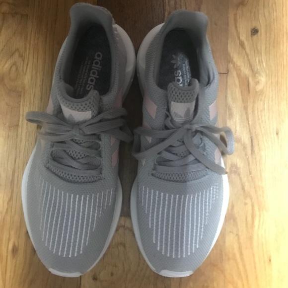 le adidas donne swift run size9 nuovi poshmark
